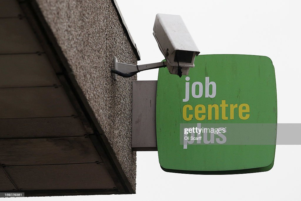 Does anyone know how many braches of jobcentres there are in the UK?
