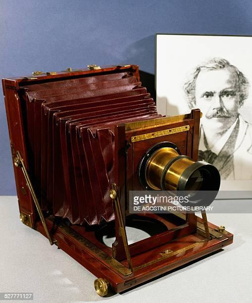 Camera stamped Nadar size 13x18 mahogany France 19th century Bievres Musée Francais De La Photographie