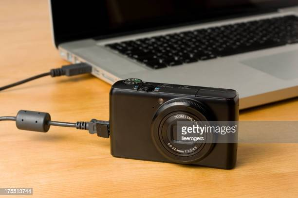 Camera to computer photo and video data transfer