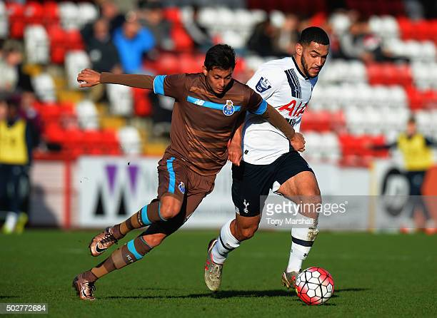 Cameron CarterVickers of Tottenham Hotspur battles for the ball with Leonardo Ruiz of Porto during the Barclays U21 Premier League International Cup...