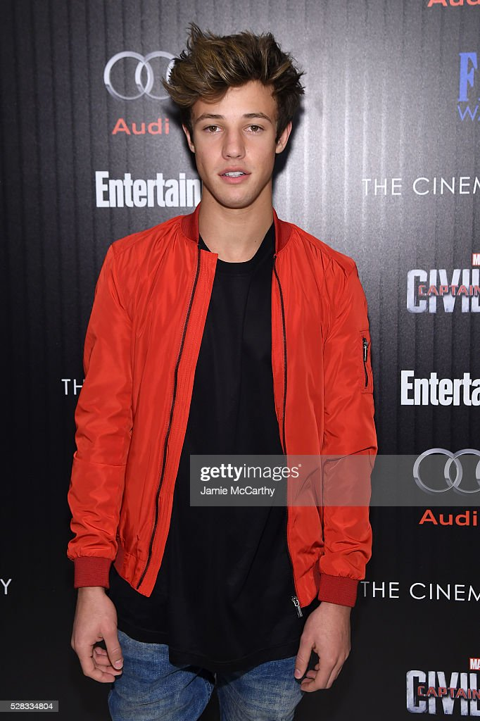 <a gi-track='captionPersonalityLinkClicked' href=/galleries/search?phrase=Cameron+Dallas&family=editorial&specificpeople=7720646 ng-click='$event.stopPropagation()'>Cameron Dallas</a> attends the screening Of Marvel's 'Captain America: Civil War' hosted by The Cinema Society with Audi & FIJI at Henry R. Luce Auditorium at Brookfield Place on May 4, 2016 in New York City.