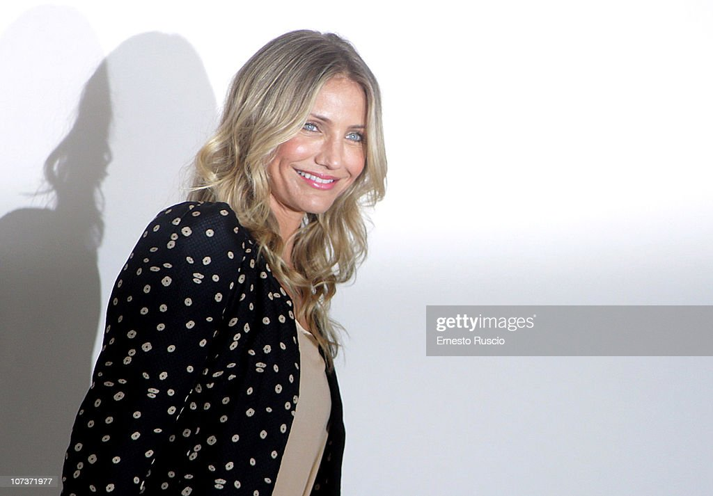 Cameron Diaz attends the 'The Green Hornet' photocall at Exedra Hotel on December 7, 2010 in Rome, Italy.