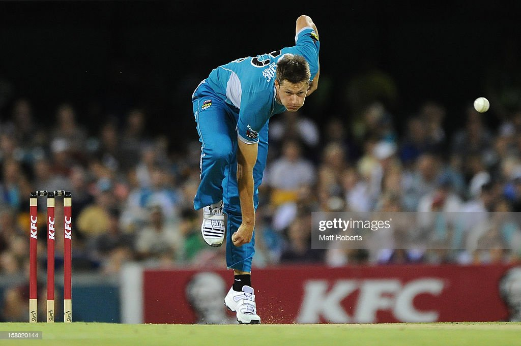 Cameron Gannon of the Heat bowls during the Big Bash League match between the Brisbane Heat and the Hobart Hurricanes at The Gabba on December 9, 2012 in Brisbane, Australia.