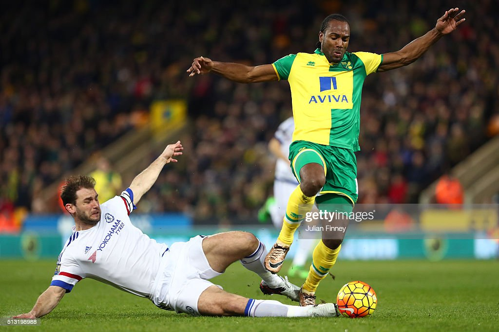 <a gi-track='captionPersonalityLinkClicked' href=/galleries/search?phrase=Cameron+Jerome&family=editorial&specificpeople=815275 ng-click='$event.stopPropagation()'>Cameron Jerome</a> of Norwich City and <a gi-track='captionPersonalityLinkClicked' href=/galleries/search?phrase=Branislav+Ivanovic&family=editorial&specificpeople=607152 ng-click='$event.stopPropagation()'>Branislav Ivanovic</a> of Chelsea compete for the ball during the Barclays Premier League match between Norwich City and Chelsea at Carrow Road on March 1, 2016 in Norwich, England.