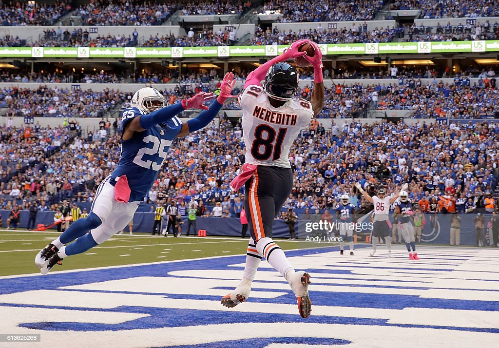 Cameron Meredith #81 of the Chicago Bears catches a touchdown pass against Patrick Robinson #25 of the Indianapolis Colts during the game at Lucas Oil Stadium on October 9, 2016 in Indianapolis, Indiana.
