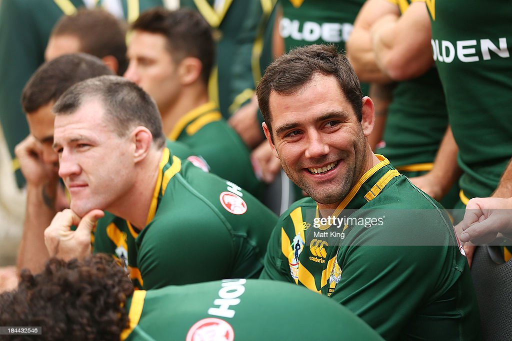 <a gi-track='captionPersonalityLinkClicked' href=/galleries/search?phrase=Cameron+Smith+-+Rugby+League+Player&family=editorial&specificpeople=453295 ng-click='$event.stopPropagation()'>Cameron Smith</a> interacts with other players during an Australian Kangaroos Rugby League World Cup teamphoto session at Crowne Plaza, Coogee on October 14, 2013 in Sydney, Australia.