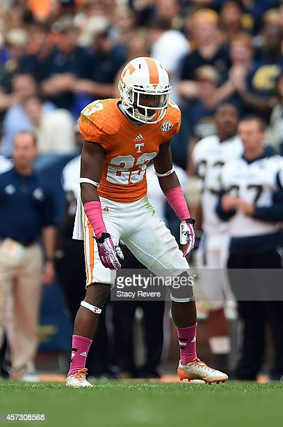 Cameron Sutton of the Tennessee Volunteers anticipates a play during a game against the Chattanooga Mocs at Neyland Stadium on October 11 2014 in...