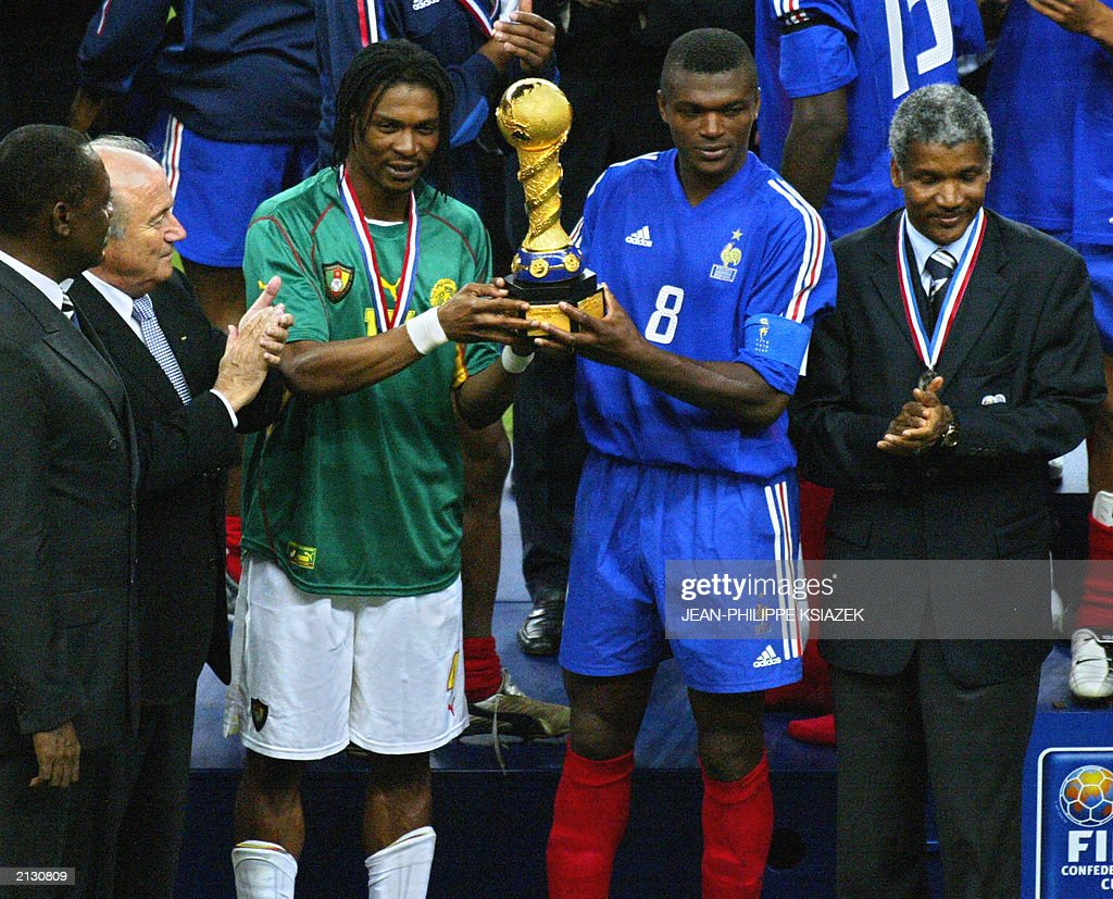 Cameroonian captain Rigobert Song 2ndL