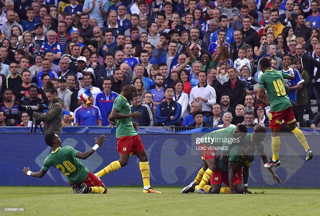 Cameroun maillot 2016 2017 Puma vert contre France