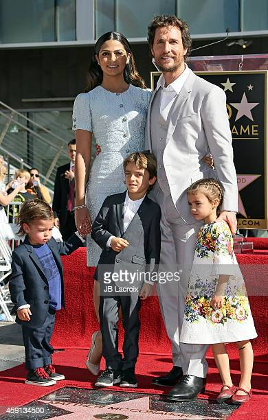 Camila Alves Levi McConaughey Livingston McConaughey and Vida McConaughey attend The Hollywood Walk Of Fame ceremony for Matthew McConaughey on...