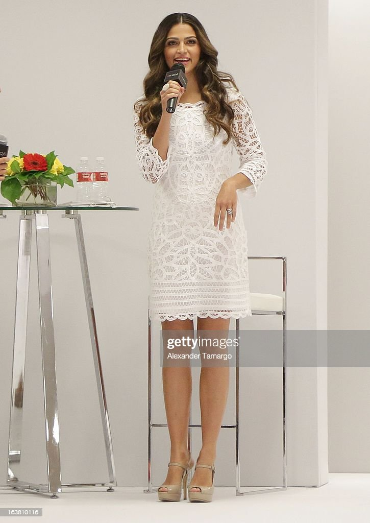 <a gi-track='captionPersonalityLinkClicked' href=/galleries/search?phrase=Camila+Alves&family=editorial&specificpeople=4501431 ng-click='$event.stopPropagation()'>Camila Alves</a> makes an appearance at Macys Aventura on March 16, 2013 in Miami, Florida.