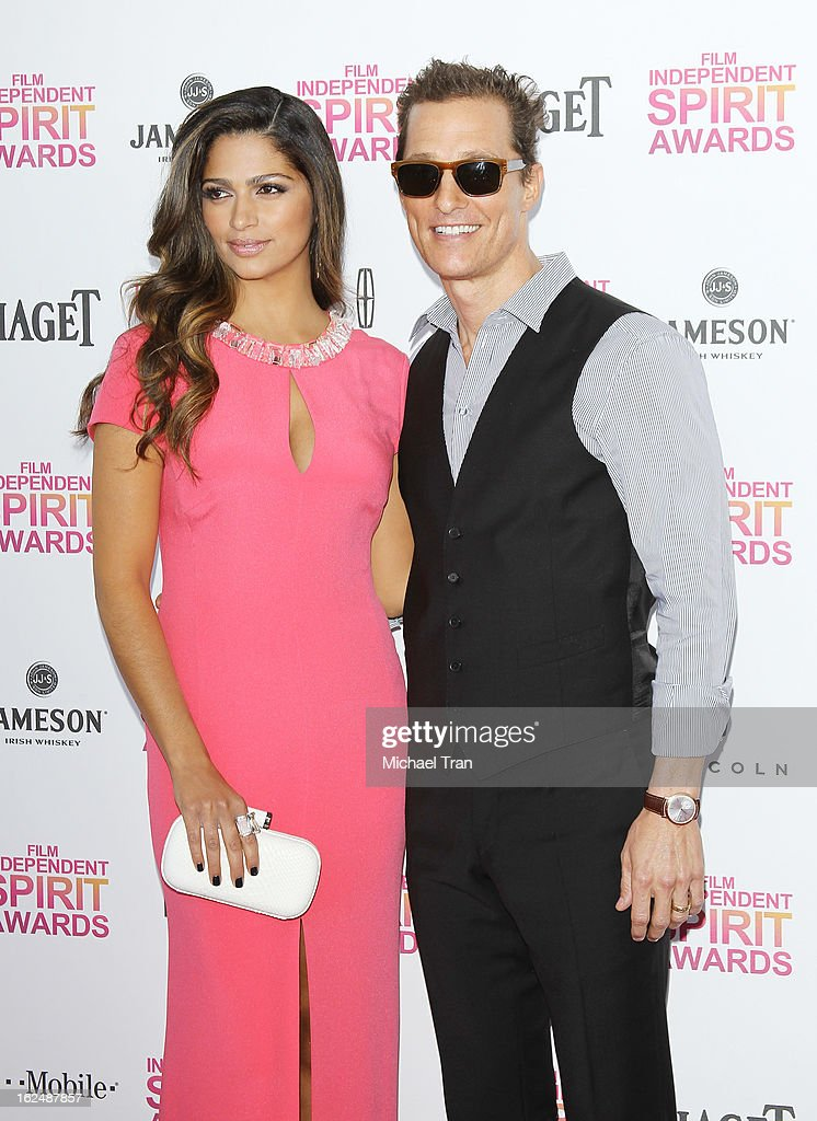 Camila Alves McConaughey (L) and <a gi-track='captionPersonalityLinkClicked' href=/galleries/search?phrase=Matthew+McConaughey&family=editorial&specificpeople=201663 ng-click='$event.stopPropagation()'>Matthew McConaughey</a> arrive at the 2013 Film Independent Spirit Awards held on February 23, 2013 in Santa Monica, California.