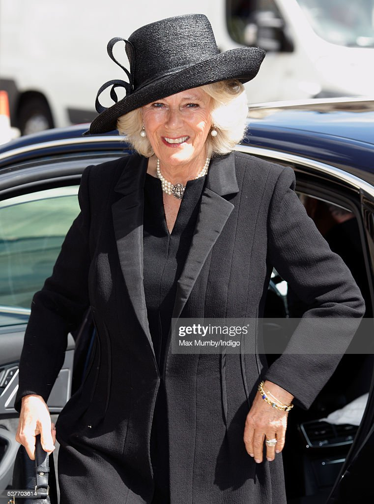 <a gi-track='captionPersonalityLinkClicked' href=/galleries/search?phrase=Camilla+-+Duquesa+da+Cornualha&family=editorial&specificpeople=158157 ng-click='$event.stopPropagation()'>Camilla</a>, Duchess of Cornwall attends a Service of Thanksgiving for the life of Geoffrey Howe (Lord Howe of Aberavon) at St Margaret's Church, Westminster Abbey on May 3, 2016 in London, England. Conservative politician Geoffrey Howe who served as Chancellor of the Exchequer and Foreign Secretary during the 1980's died aged 88 on October 9, 2015.