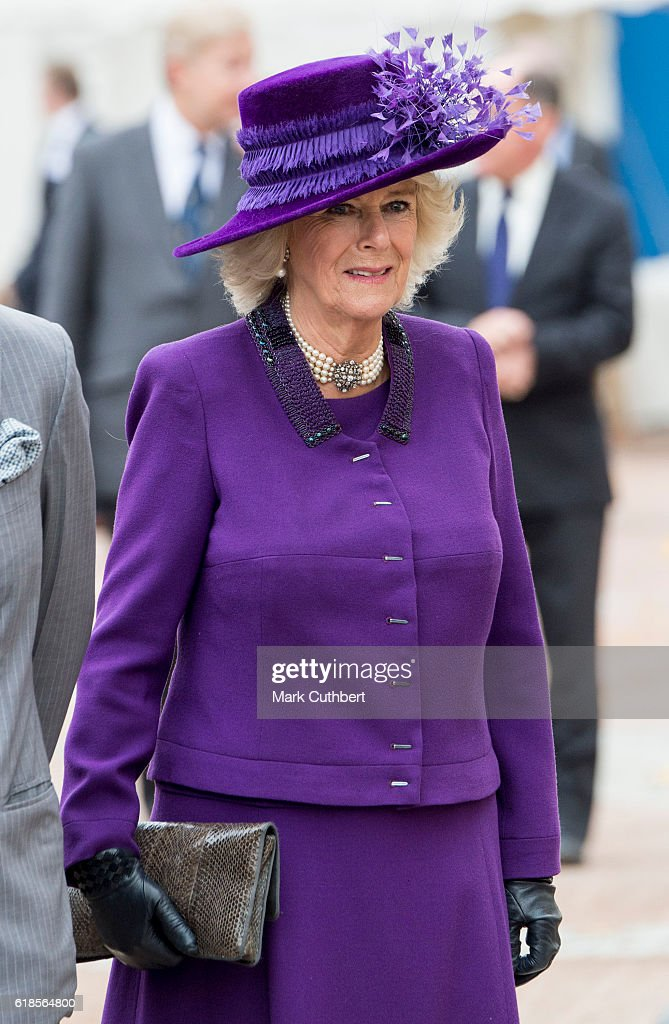 camilla-duchess-of-cornwall-attends-the-unveiling-of-a-statue-of-picture-id618564800