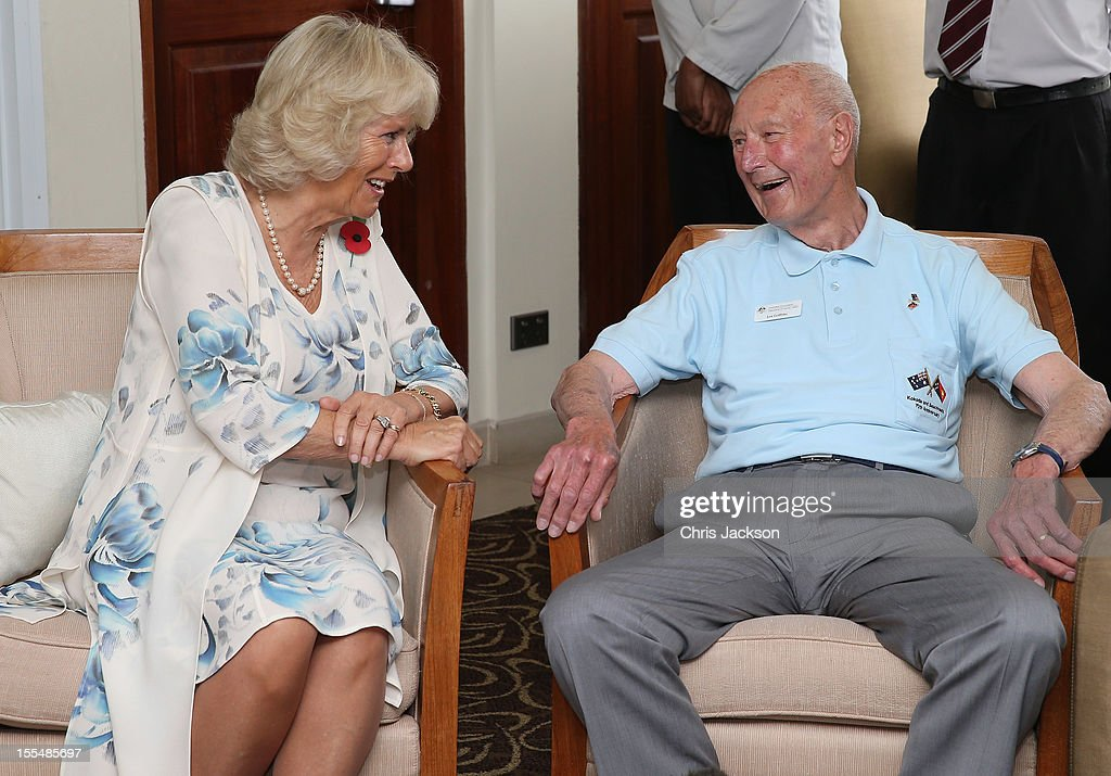 <a gi-track='captionPersonalityLinkClicked' href=/galleries/search?phrase=Camilla+-+Hertogin+van+Cornwall&family=editorial&specificpeople=158157 ng-click='$event.stopPropagation()'>Camilla</a>, Duchess of Cornwall chats to Kokoda Campaign veteran Len Griffiths during a reception for Kokoda Veterans on the 70th Anniversary of the Australian battle against to Japanese at the Airways Hotel on November 4, 2012 in Port Moresby, Papua New Guinea. The Royal couple are in Papua New Guinea on the first leg of a Diamond Jubilee Tour taking in Papua New Guinea, Australia and New Zealand.
