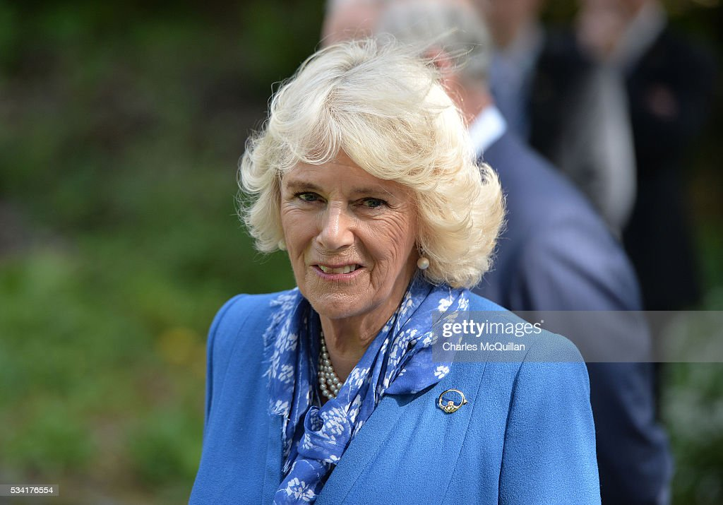 <a gi-track='captionPersonalityLinkClicked' href=/galleries/search?phrase=Camilla+-+Duquesa+de+Cornualles&family=editorial&specificpeople=158157 ng-click='$event.stopPropagation()'>Camilla</a>, Duchess of Cornwall is seen in the walled garden during her visit to Glenveagh Castle on May 25, 2016 in Letterkenny, Ireland. The royal couple are on a one day visit to Ireland having spent two days across the border in Northern Ireland. It is their first trip to Donegal.