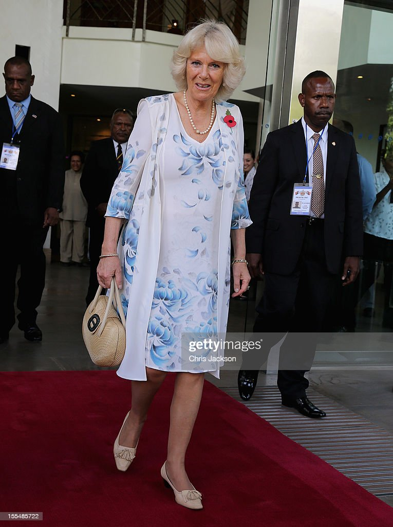 <a gi-track='captionPersonalityLinkClicked' href=/galleries/search?phrase=Camilla+-+Hertogin+van+Cornwall&family=editorial&specificpeople=158157 ng-click='$event.stopPropagation()'>Camilla</a>, Duchess of Cornwall is sung to by dancers as she leaves the Airways Hotel on November 4, 2012 in Port Moresby, Papua New Guinea. The Royal couple are in Papua New Guinea on the first leg of a Diamond Jubilee Tour taking in Papua New Guinea, Australia and New Zealand.