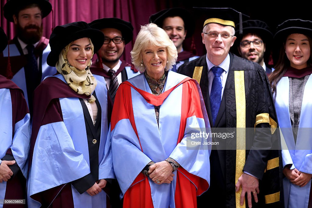 <a gi-track='captionPersonalityLinkClicked' href=/galleries/search?phrase=Camilla+-+Hertogin+van+Cornwall&family=editorial&specificpeople=158157 ng-click='$event.stopPropagation()'>Camilla</a>, Duchess Of Cornwall with Vice Chancellor Professor Sir Christopher Snowden and graduates at the University Of Southampton where she was awarded an Honourary Doctorate on February 11, 2016 in Southampton, England.