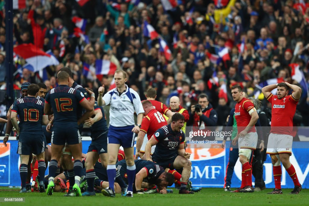 Camille Chat (C) of France celebrates after scoring the winning try during the RBS Six Nations match between France and Wales at Stade de France on March 18, 2017 in Paris, France.