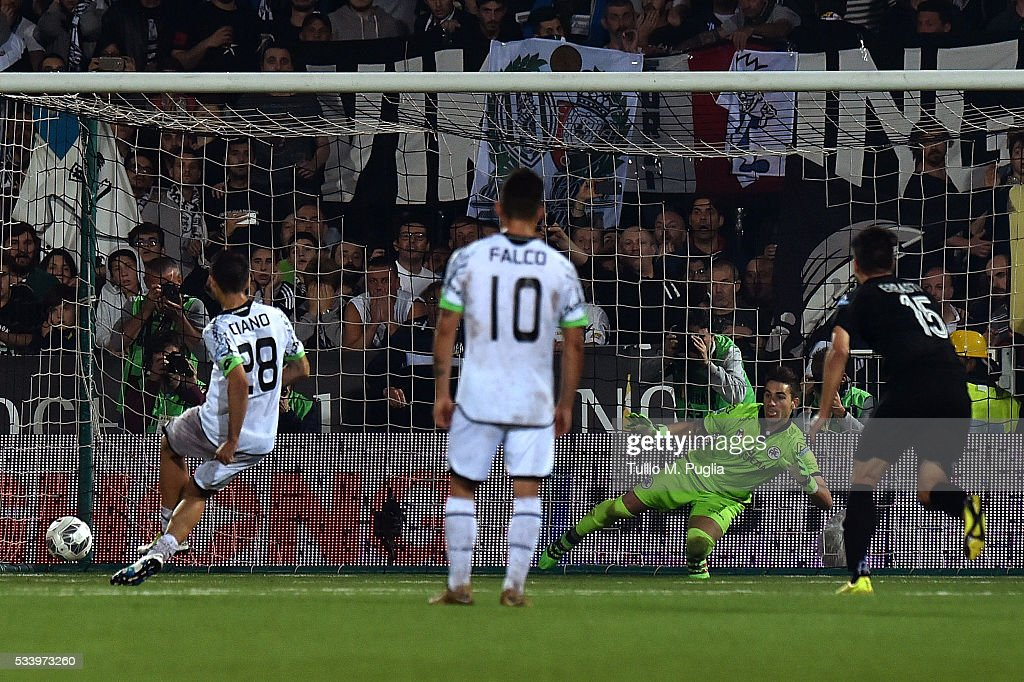 Camillo Ciano of Spezia scores the equalising goal (1-1) from a penalty during the Serie B playoff match between AC Cesena and AC Spezia on May 24, 2016 in Cesena, Italy.