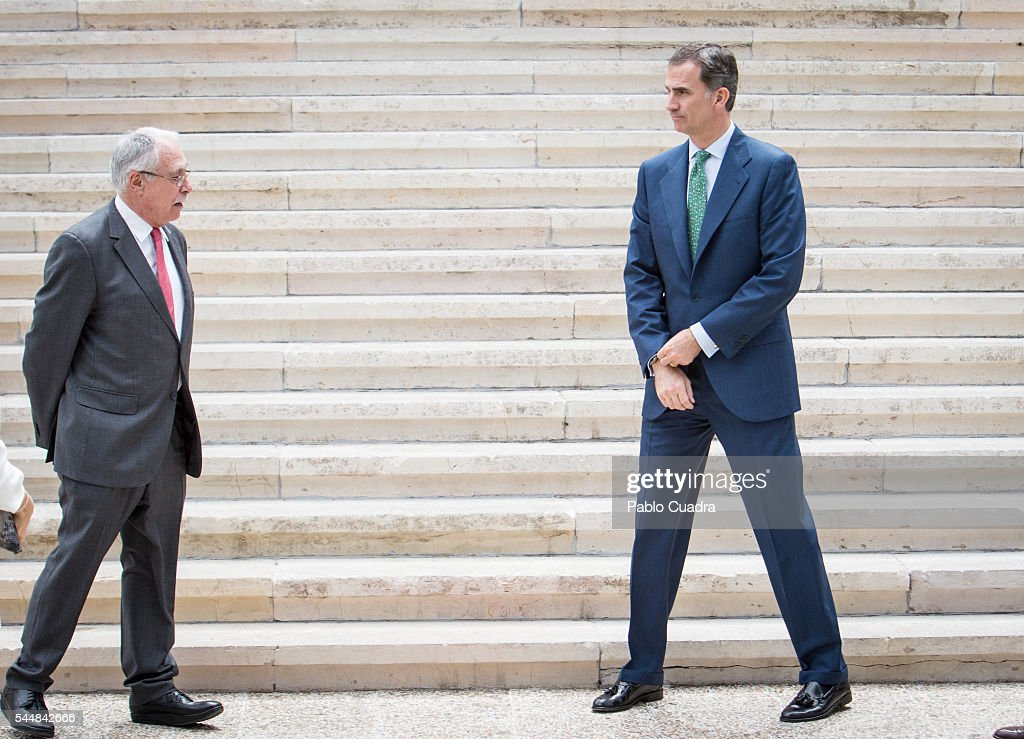 camilo-jose-cela-conde-and-king-felipe-vi-of-spain-attend-cjc-2016-el-picture-id544842666