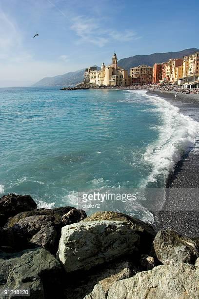 Camogli paisaje de playa, Liguria (Italia