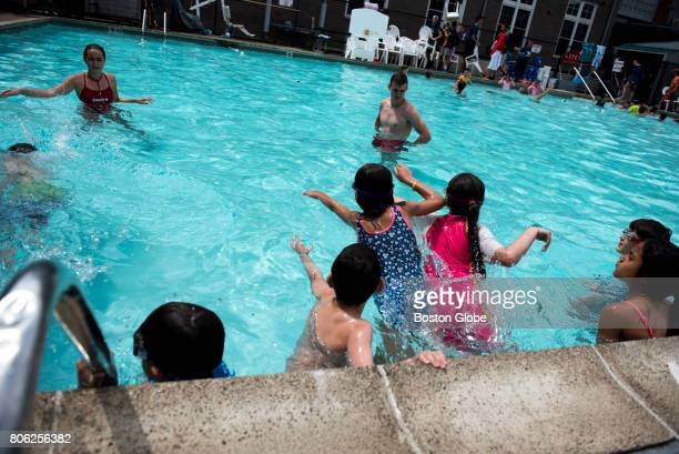 Piscine camping photos et images de collection getty images for Beaver pool piscine