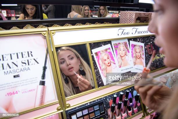 Camren Mercedes tests Sephora products during the pre opening of the Kaufhof Beauty World Opening on October 18 2017 in Duesseldorf Germany