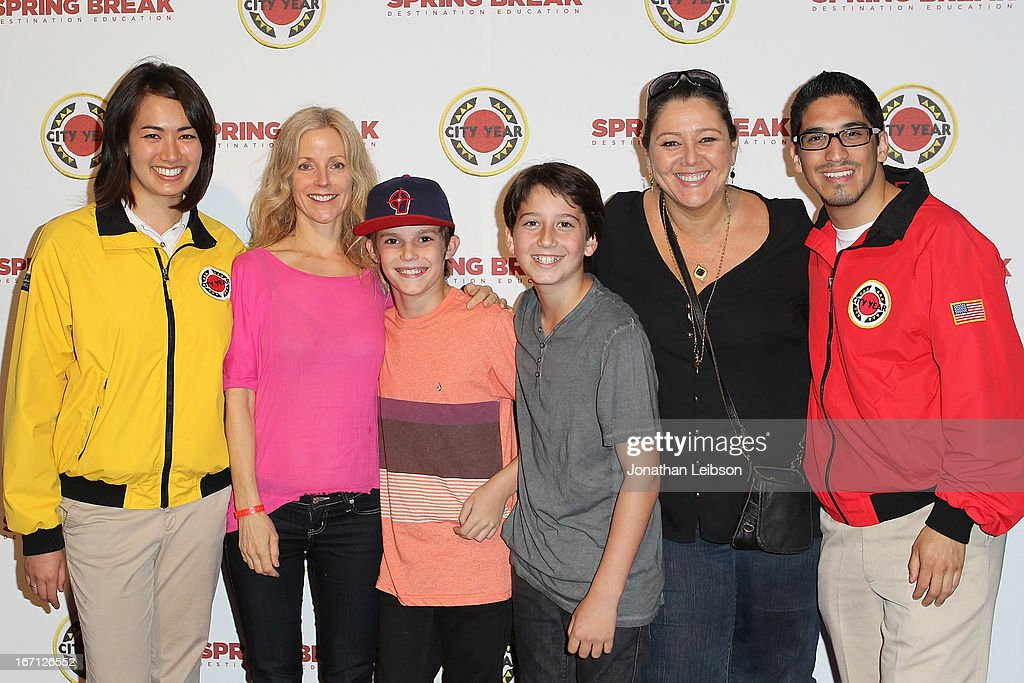 <a gi-track='captionPersonalityLinkClicked' href=/galleries/search?phrase=Camryn+Manheim&family=editorial&specificpeople=204200 ng-click='$event.stopPropagation()'>Camryn Manheim</a> (R) and City Year Los Angeles AmeriCorps members attend the City Year Los Angeles' Spring Break: Destination Education at Sony Pictures Studios on April 20, 2013 in Culver City, California.