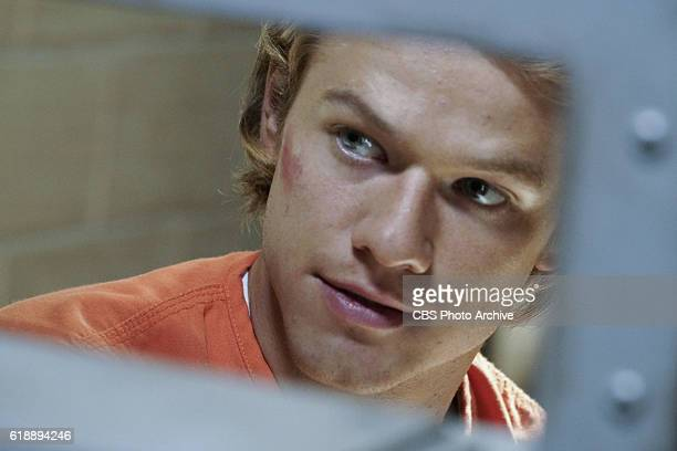 'Can Opener' MacGyver is tasked to go undercover as an inmate in a maximum security prison to break out El Noche a notorious drug kingpin using only...