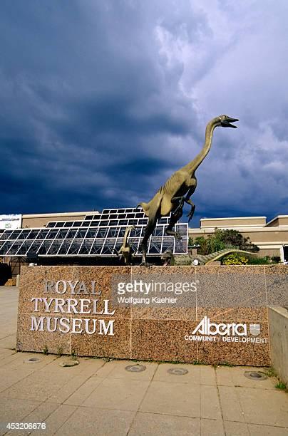 Canada Alberta Drumheller Royal Tyrrell Museum Dinosaur Statue Struthiomimus