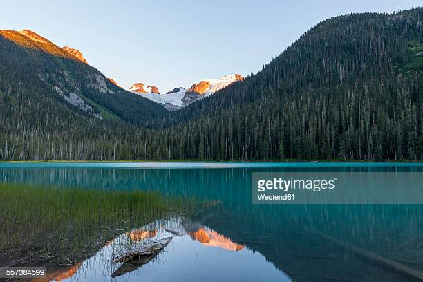 Canada, British Columbia, Joffre Lakes Provincial Park, Lower Joffre Lake