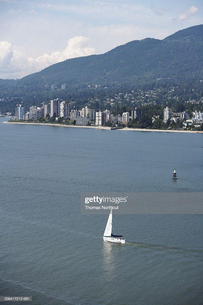 Canada, British Columbia, Vancouver, bay and cityscape : Stock Photo