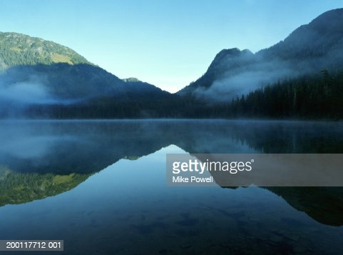 Canada, British Columbia, Whistler, Madely Lake, cover with fog : Stock-Foto