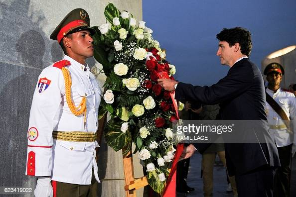 Canada First Minister Justin Trudeau places a wreath at the Jose Marti monument at Revolution Square in Havana on November 15 2016 / AFP / YAMIL LAGE