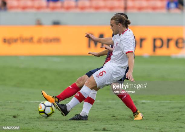 Canada midfielder Samuel Piette keeps the ball away during the CONCACAF Gold Cup Group A match between Costa Rica and Canada on July 11 2017 at BBVA...