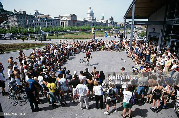Canada, Quebec, Montreal, Old Montreal, street performer and crowd
