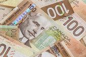 Canadian 100 dollar bills