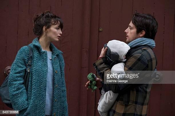 Canadian actress Charlotte Le Bon and French actor Raphaël Personnaz on the set of La Stratégie de la Poussette written and directed by Clément Michel