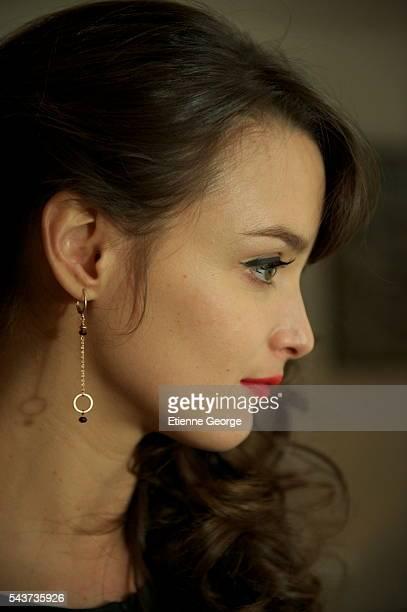 Canadian actress Charlotte Le Bon on the set of La Stratégie de la Poussette written and directed by Clément Michel