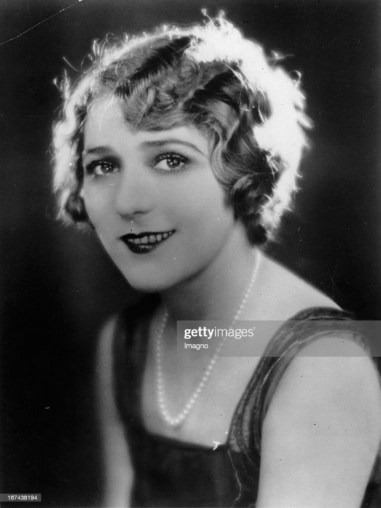 Canadian actress Mary Pickford. About 1920. Photograph. (Photo by Imagno/Getty Images) Die kanadische Schauspielerin Mary Pickford. Um 1920. Photographie.