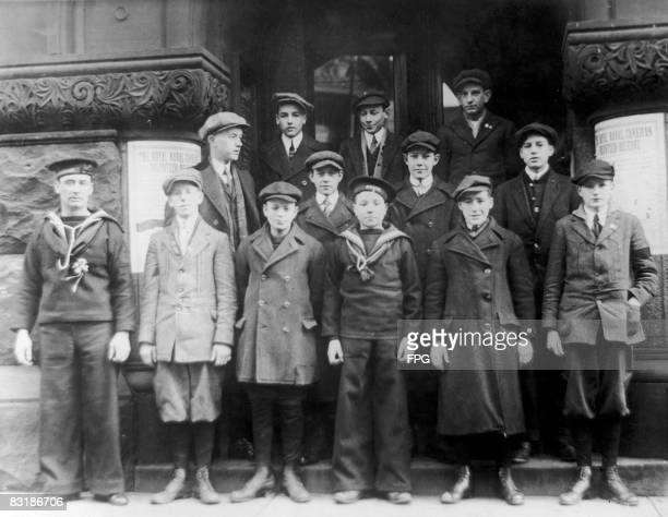 Royal naval volunteers stock photos and pictures getty images - Royal marines recruitment office ...