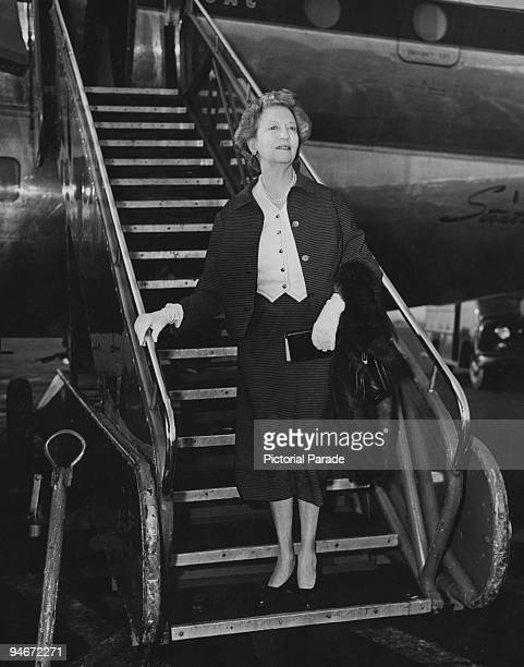 Canadian businesswoman Elizabeth Arden arrives at Idlewild Airport in New York circa 1940 She has just returned from London during a sixweek four of...