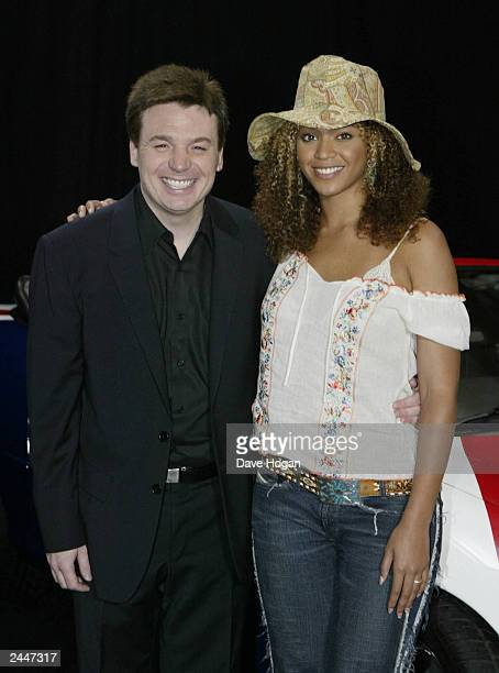 Canadian comedian Mike Myers and American pop star Beyonce Knowles of pop group 'Destiny's Child' pose at the photocall for the film 'Austin Powers 3...