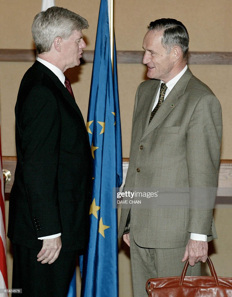 Canadian Finance Minister John Manley greets French Finance Minister Francis Mer 14 June 2002 prior to a working dinner in Halifax Canada Group of...