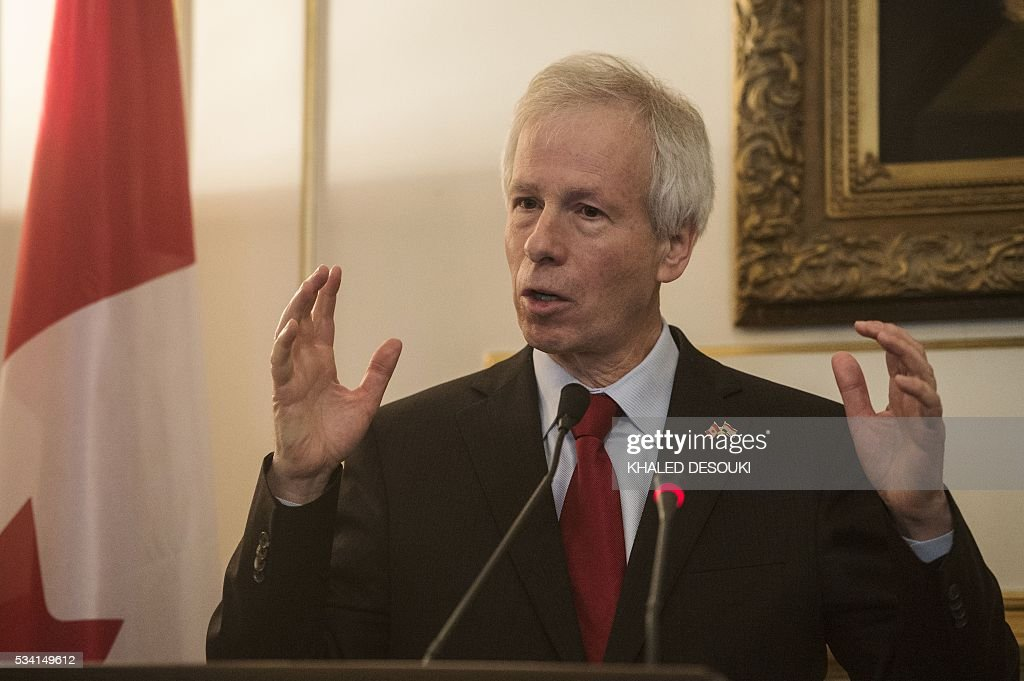Canadian foreign minister Stephane Dion speaks during a joint press conference with his Egyptian counterpart in Cairo, on May 25, 2016. / AFP / KHALED