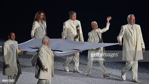 Canadian greats Bobby Orr Anne Murray Jacques Villeneuve Betty Fox Barbara Ann ScottKing Romeo Dallaire Julie Payette and Donald Sutherland carry the...