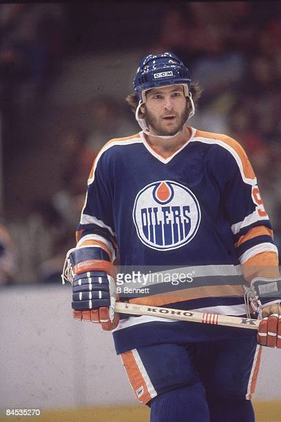 Canadian ice hockey player Glenn Anderson of the Edmonton Oilers on the ice during a game during the 19801981 season