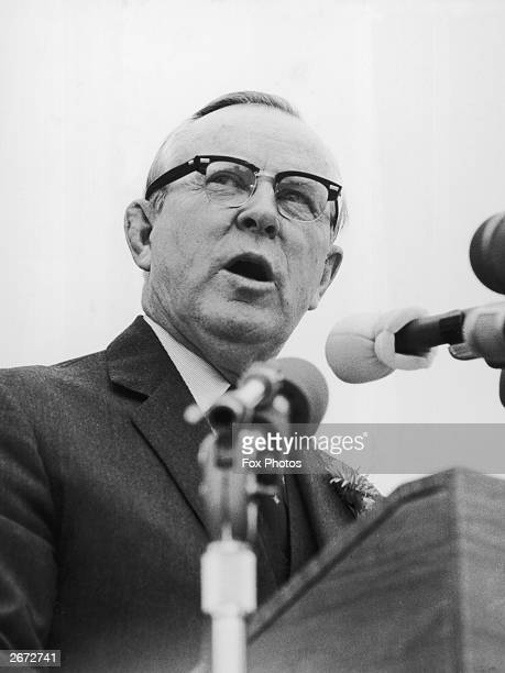 lester b pearson The entire wikipedia with video and photo galleries for each article find something interesting to watch in seconds.