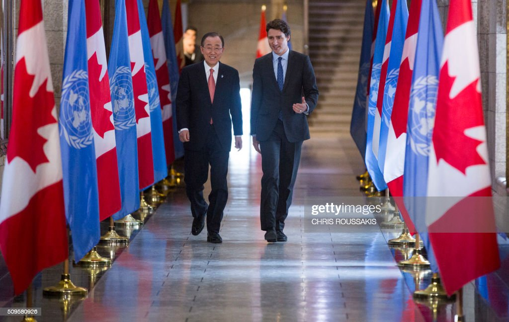 Canadian Prime Minister Justin Trudeau (R) and UN Secretary-General Ban Ki Moon leave after participating in a press conference on Parliament Hill in Ottawa, Ontario on February 11, 2016. / AFP / (Chris Roussakis/AFP) / Chris Roussakis